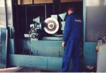 Használt gépek felújítása.